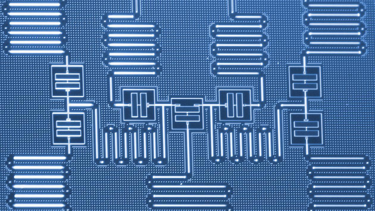 7-qubit IBM Quantum processor